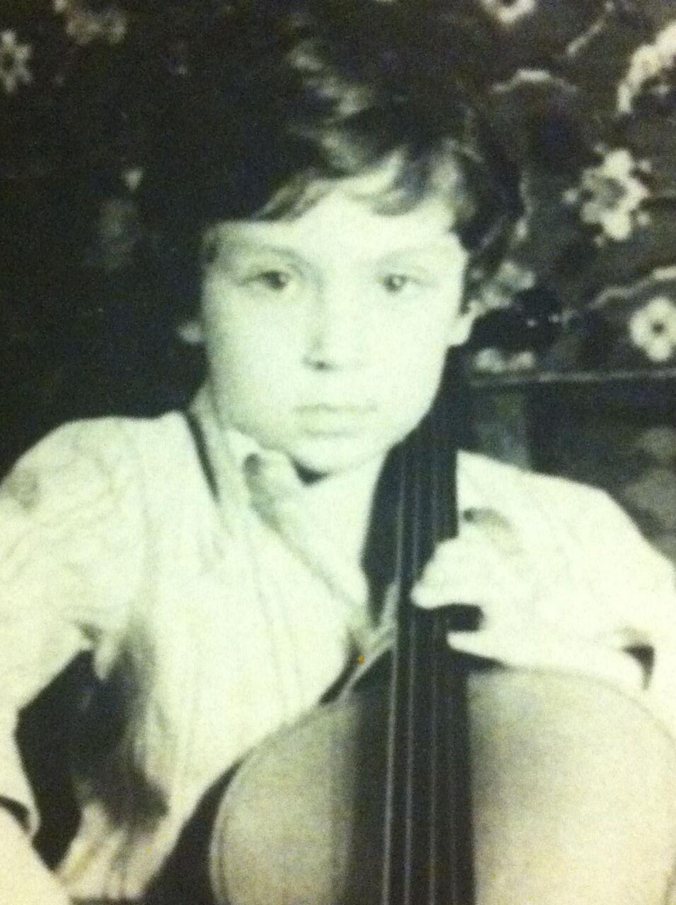 1982 год, Ленинград, дома с первой виолончелью. Из личного архива