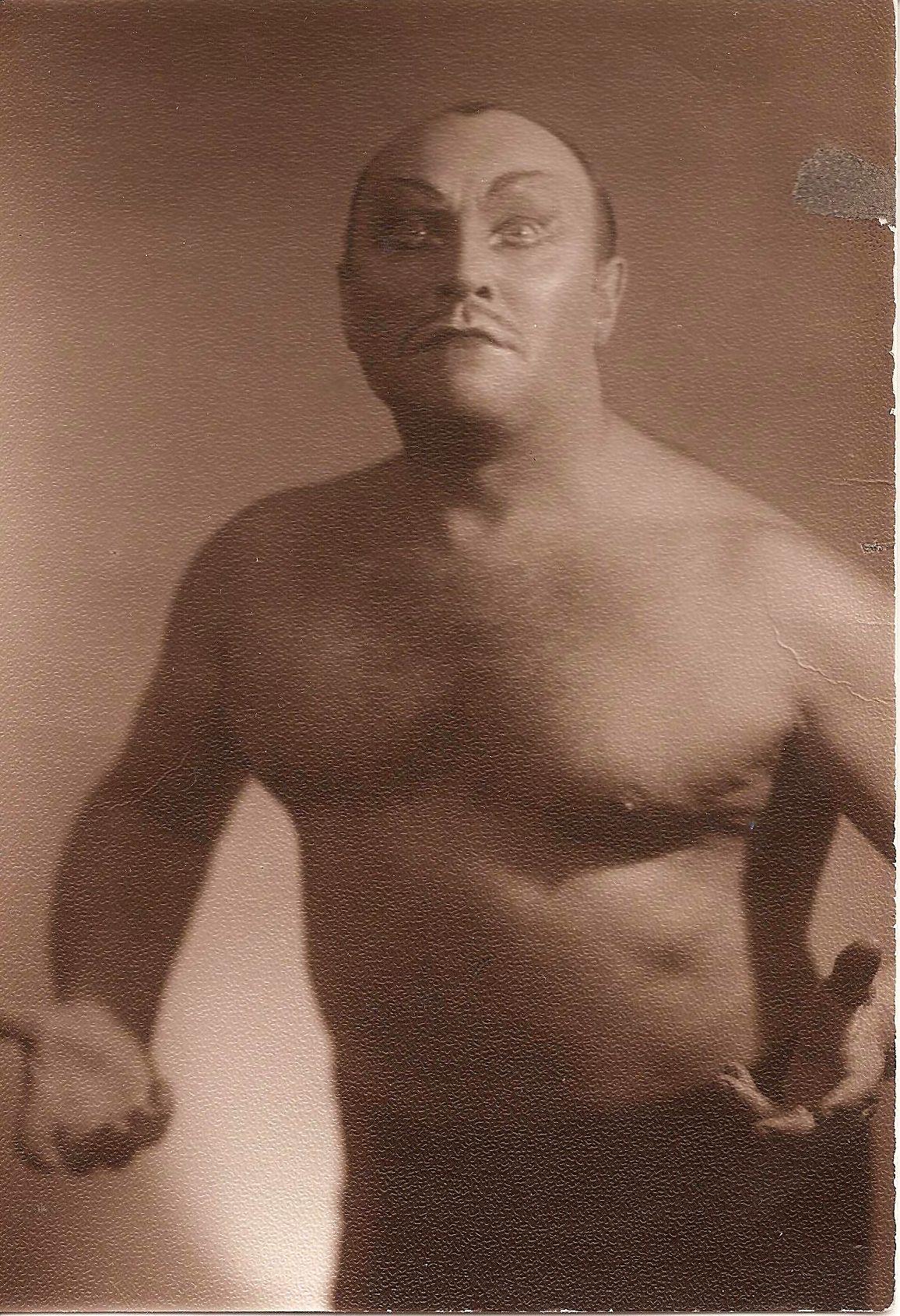 Леонид Георгиевич Морозов (дядя Лёка) в роли Самурая, 1950-е годы