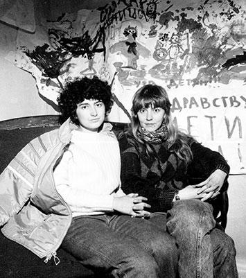 Анна Соловей и Лидия Юсупова в редакции журнала Топ-Шлёп на Пушкинской 10, фотограф Александр Рец