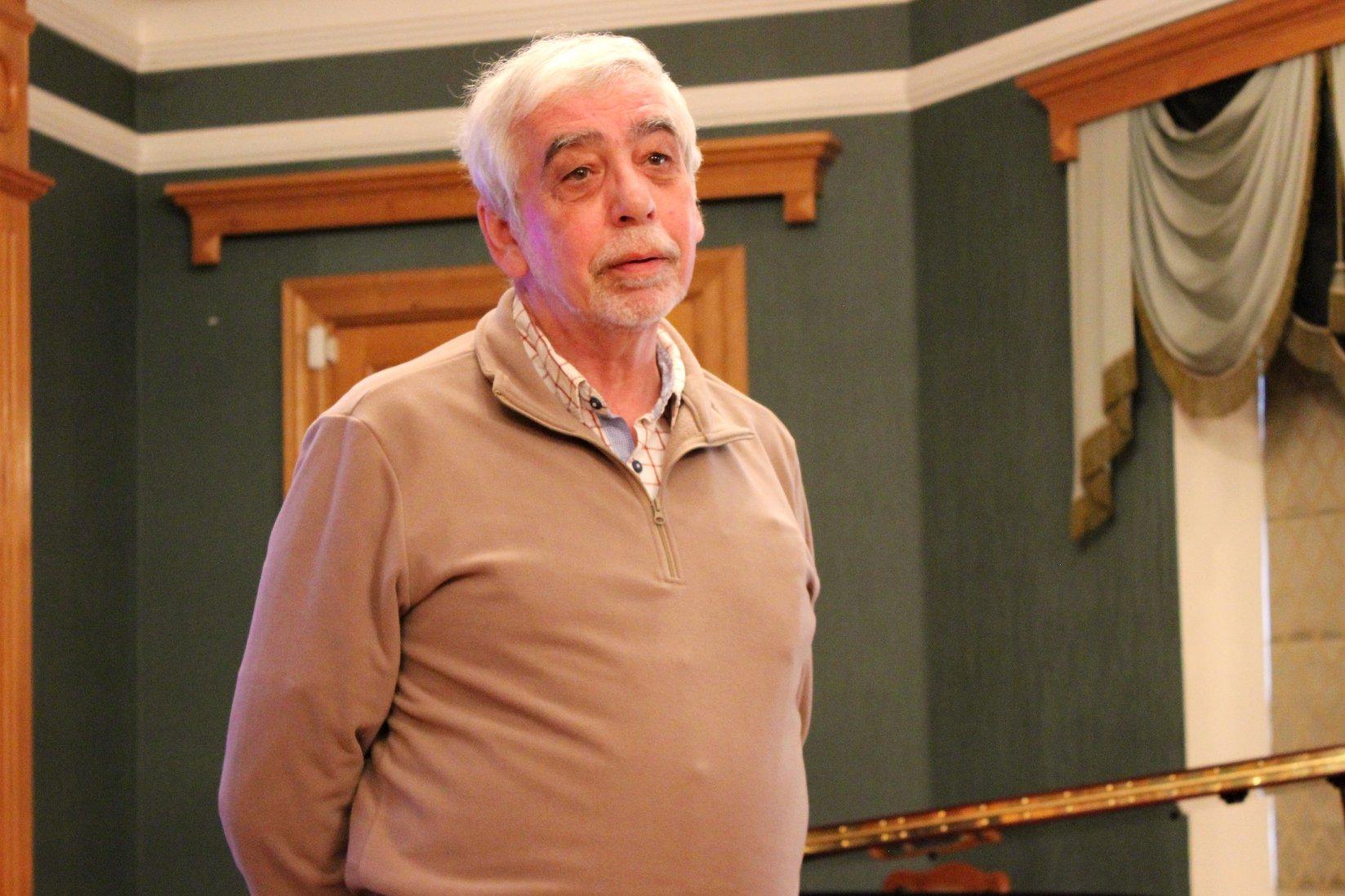 Прозаик, критик, редактор, более 30 лет вел отдел прозы в журнале ДРУЖБА НАРОДОВ, Леонид Бахнов