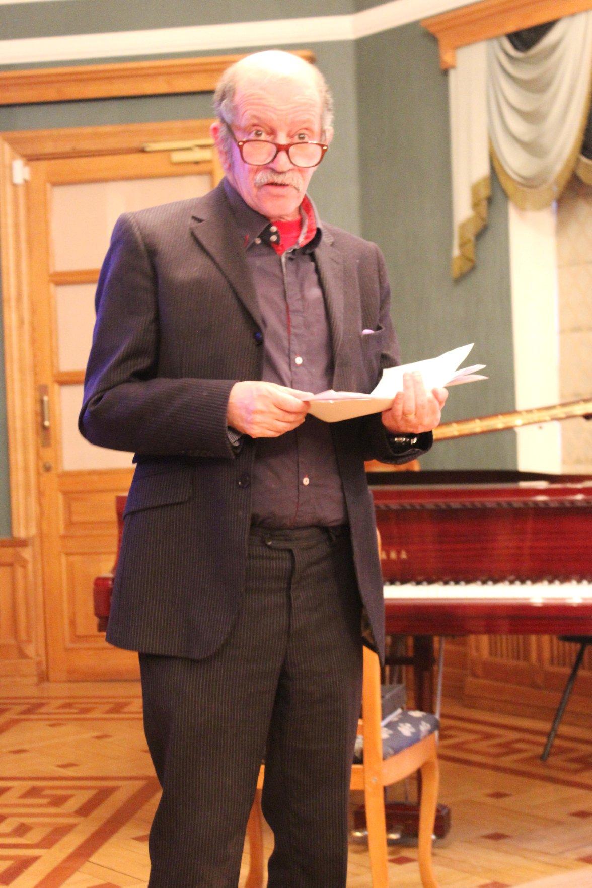 Поэт, актер, сценарист, теле- и радиоведущий, Вадим Жук