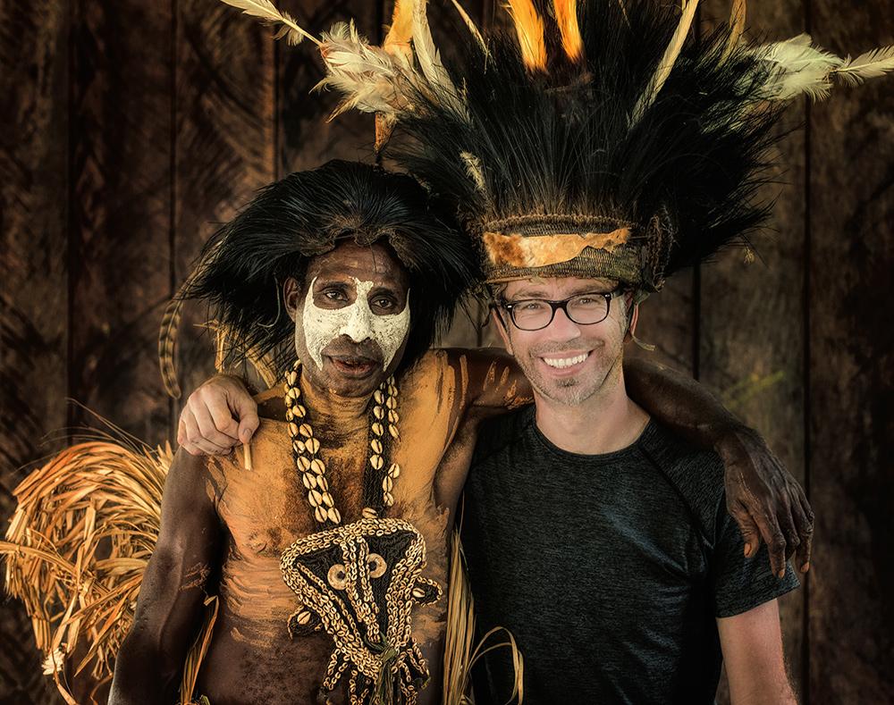 С местным жителем в джунглях Сипик. Папуа Новая Гвинея. © Александр Химушин / The World In Faces