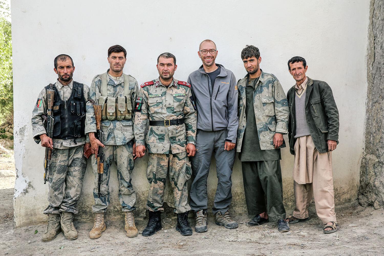 Афганистан. Местные жители нашли для меня безопасное место для ночлега и сопроводили туда под охраной. © Александр Химушин / The World In Faces