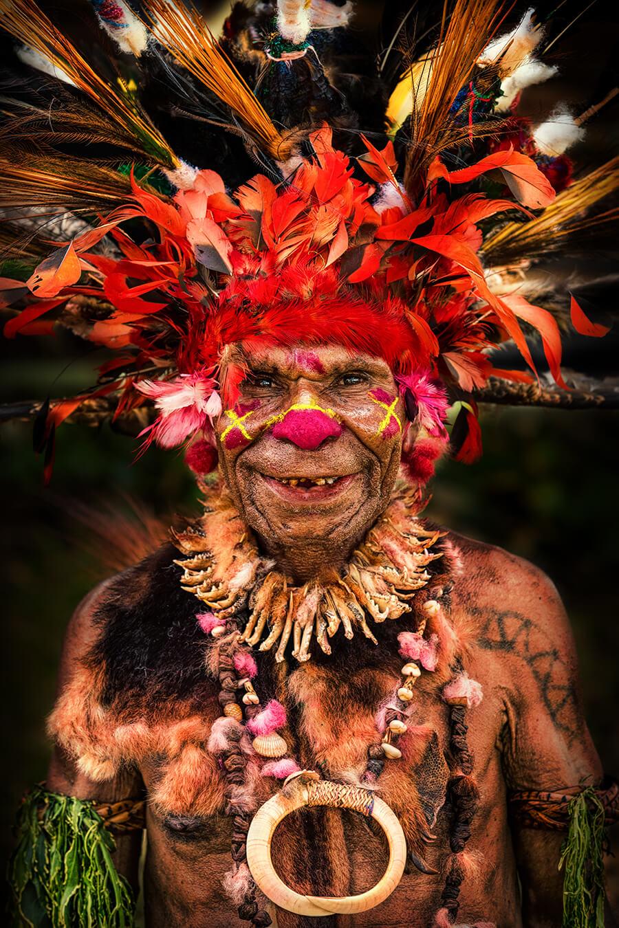 Мужчина с Восточных Высокогорий Папуа - Новой Гвинеи. © Александр Химушин / The World In Faces