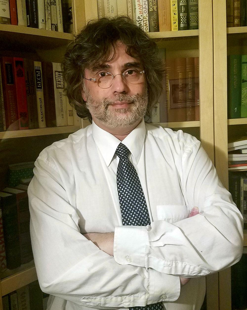 Игорь Курас — основатель и редактор отдела поэзии журнала ЭТАЖИ