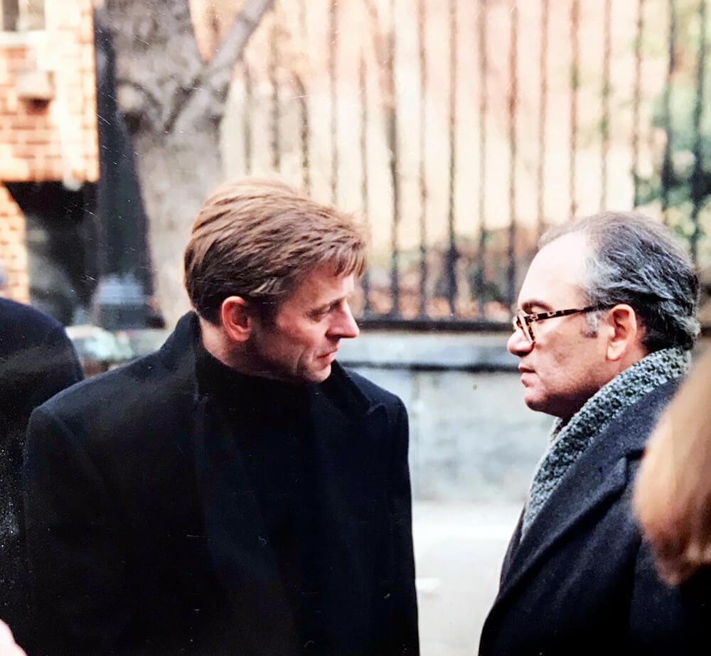 Александр Кушнер с Михаилом Барышниковым на похоронах Бродского. Январь 1996