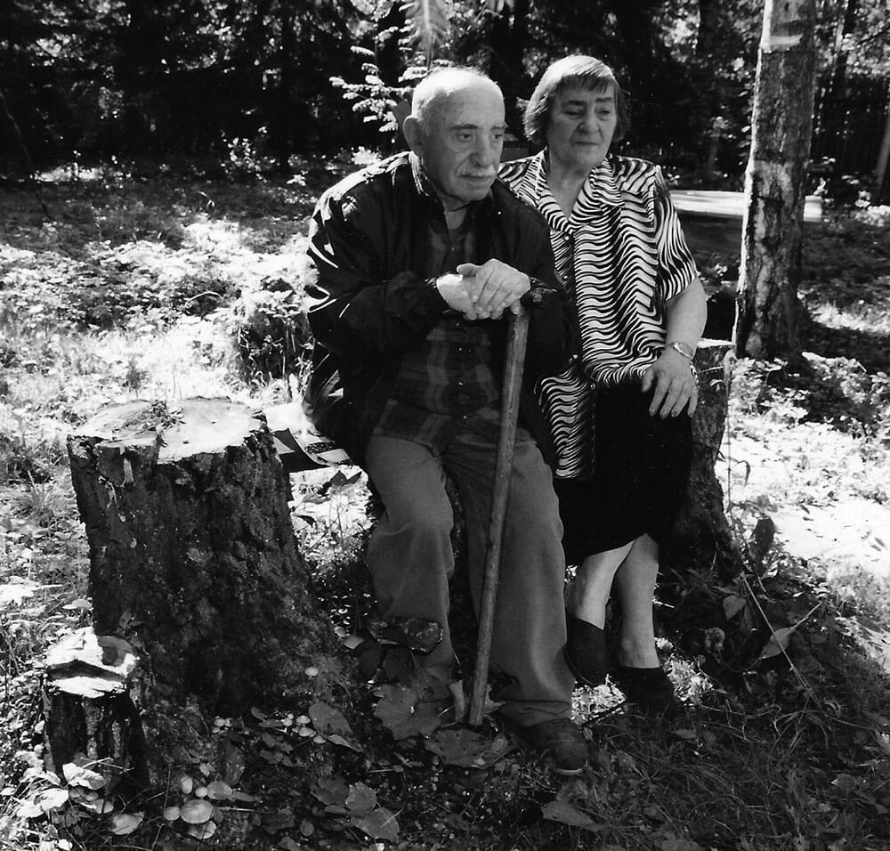 Семён Липкин и Инна Лиснянская в Переделкино