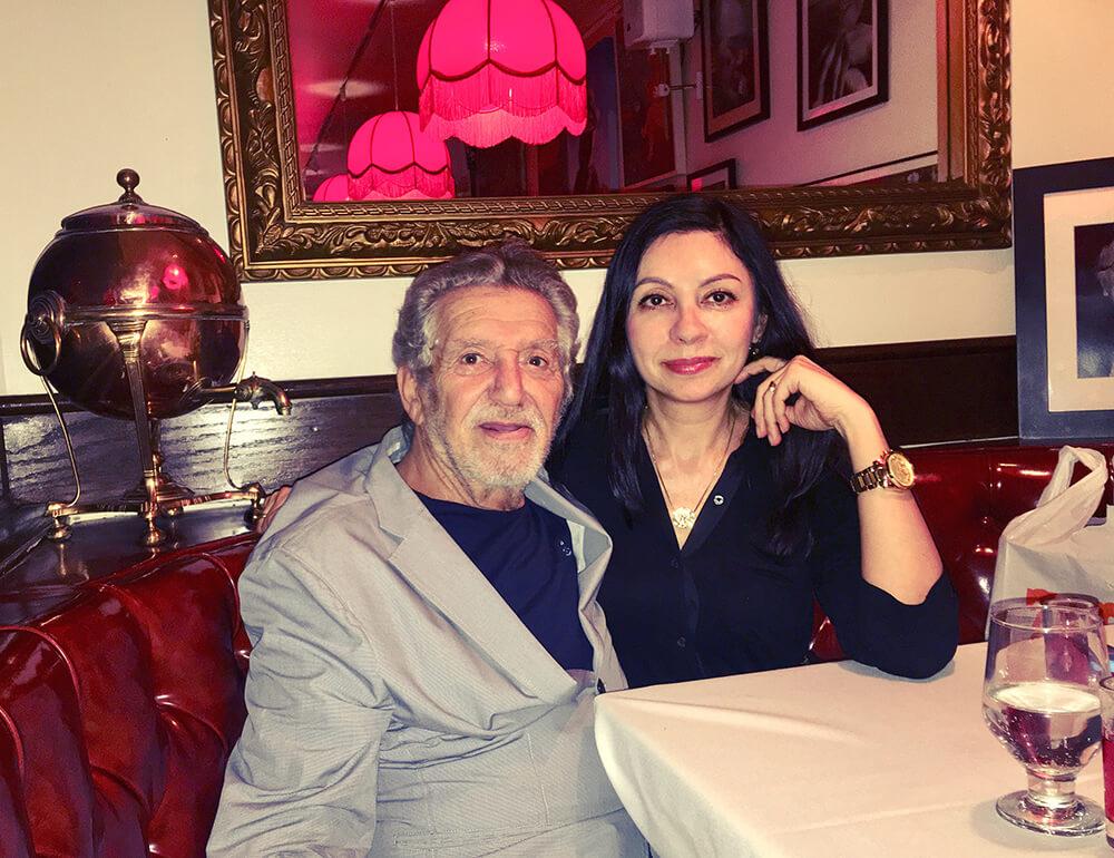 Роман Каплан и Ольга Смагаринская в САМОВАРЕ за столиком Бродского