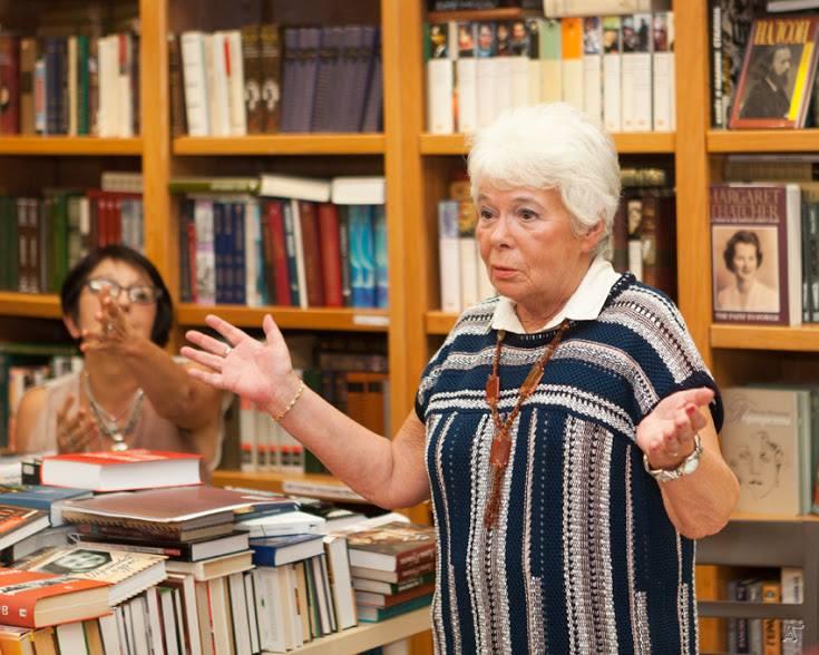 Презентация журнала ЭТАЖИ в бостонском книжном магазине Books & Arts, сентябрь 2016: Ирэна Орлова