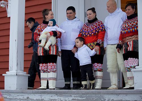 Свадьба и крещение в Сависсивике, самом недоступном поселке Гренландии. 2012