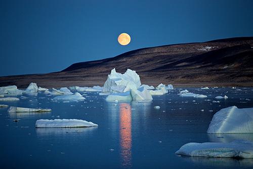 Луна над Сависсивиком, начало полярной ночи. 2012