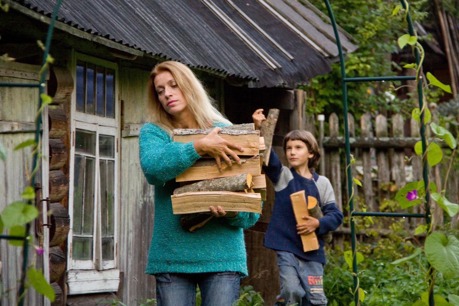 С сыном Серафимом на даче