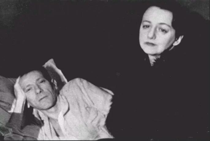 Михаил Булгаков с супругой Еленой, январь 1940