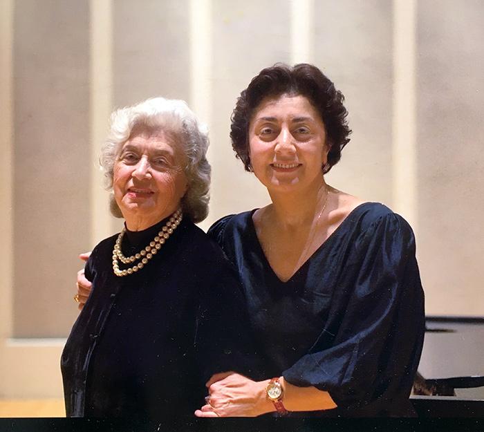 С мамой Иветтой Бахтадзе после премьеры Хаммерклавира, Чикаго, 2005 г.
