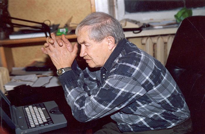 Георгий Владимов на даче в Переделкине, 2001 год